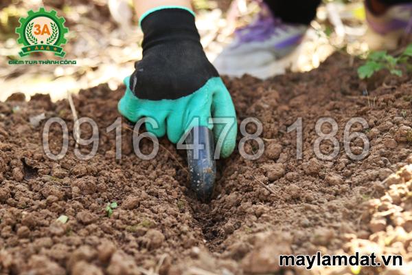 găng tay làm vườn đa năng 3A rạch đất