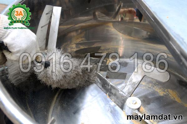 Vệ sinh máy máy trộn nguyên liệu trồng cây 3A3Kw 1 pha